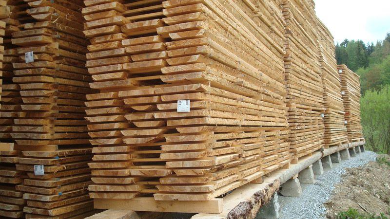 Holzbretter Mit Rinde sägeprodukte